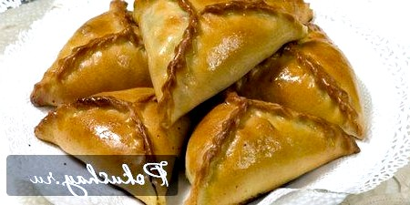 Татарський трикутник: тісто з ніжним смаком і соковита начинка