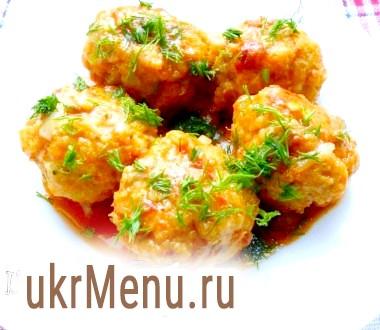 Тефтелі рибні в томатному соусі