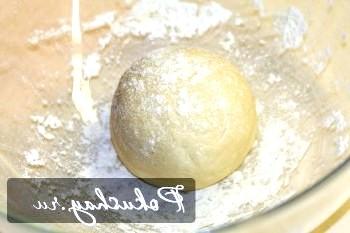 Тонке тісто для піци (бездріжджове)