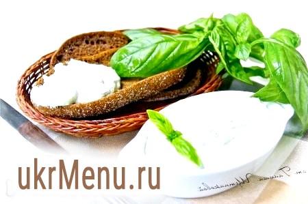 Сир з часником і зеленню