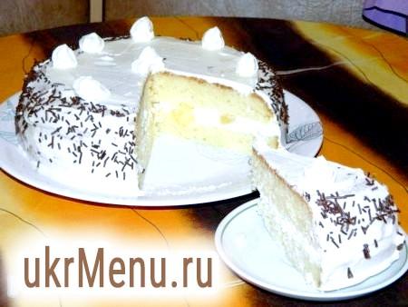 Сирно-вершковий торт з ананасами