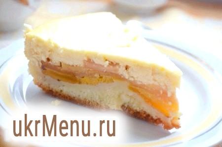 Сирний пиріг з хурмою та яблуками