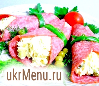 Закусочні рулети з салямі
