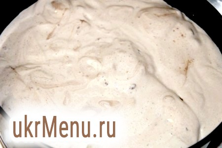 Фото - Для начинки відварюємо картоплю і обсмажуємо цибулю на сковороді. Солимо і перчимо. Всі доводимо до пюреобразного стану.