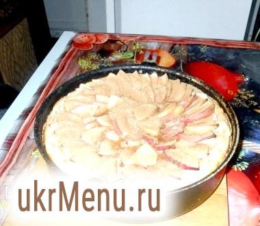 Яблучний пиріг з сиром