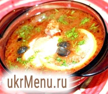 Гострий томатний суп з барбарисом
