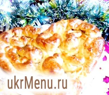 Пиріг з листкового тіста з куркою і сиром
