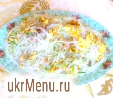 Салат з фунчеза і яєчних млинців
