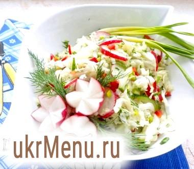 Салат з пекінської капусти з редисом, перцем чилі і черемшею