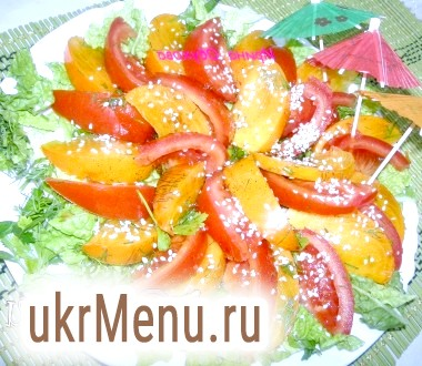 Салат з хурмою і помідорами