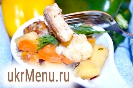 Свинина, тушкована з овочами