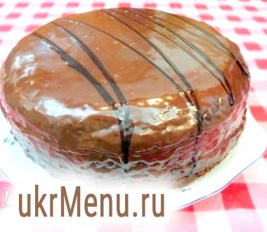 Торт шоколадний з вареним згущеним молоком в мультиварці