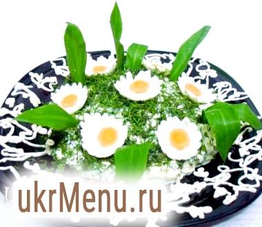 Салат з черемші з яйцем