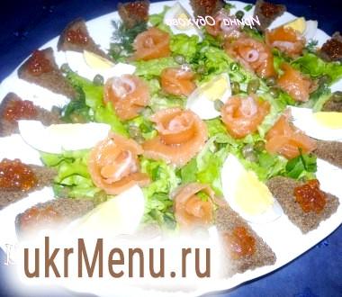 Салат з рибою та ікрою