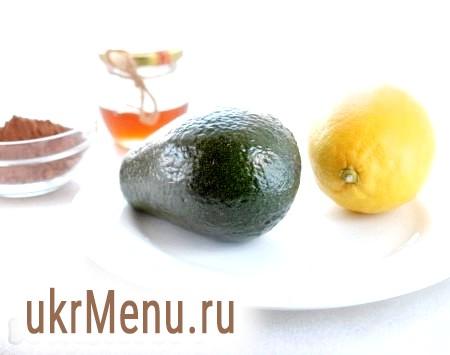 Фото - Приготувати всі необхідні продукти для приготування шоколадного мусу з авокадо.