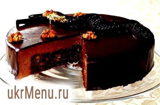 Шоколадний пудинг з волоськими горіхами