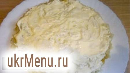 Листковий салат зі шпротами і картоплею