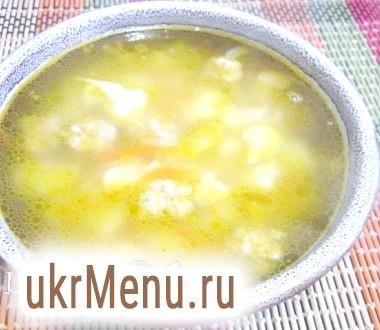 Суп з цвітною капустою і фрикадельками