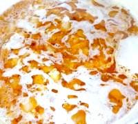Фото - Крок №3 - Вилити вміст сковороди в каструлю, влити решті Будьоного. Додати картоплю, посолити, поперчити, посипати кмином і майораном і варити 20 хвилин.