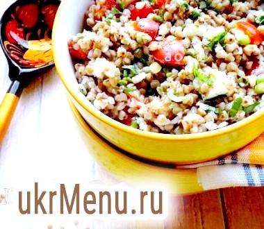 Теплий салат з гречаної крупи