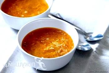 Томатний суп-локшина